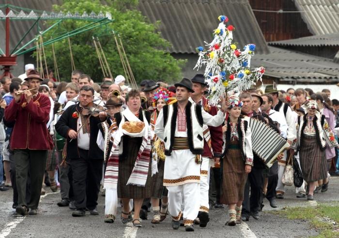 Малые славянские народы: их история и традиции.